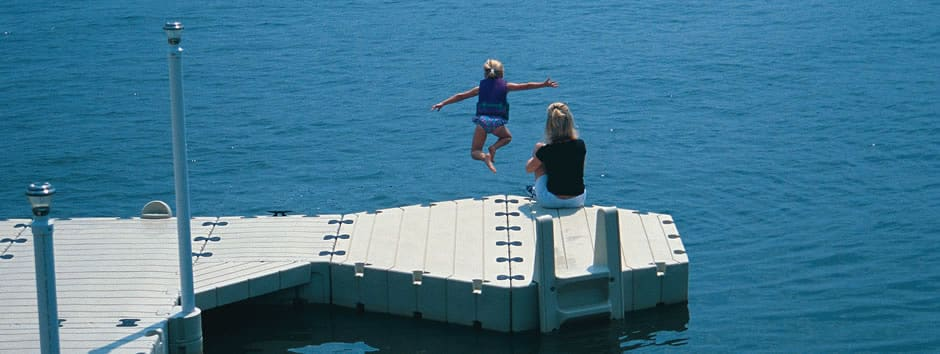 Half-Hexagon-Dock-girl-jump