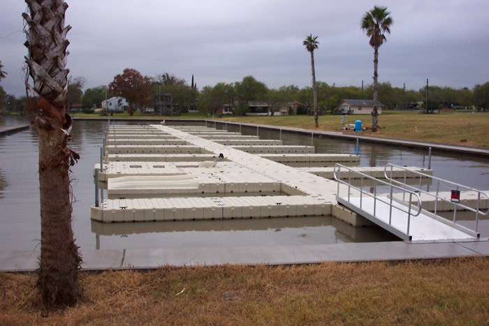 lake-corpus-christi-floating-docks