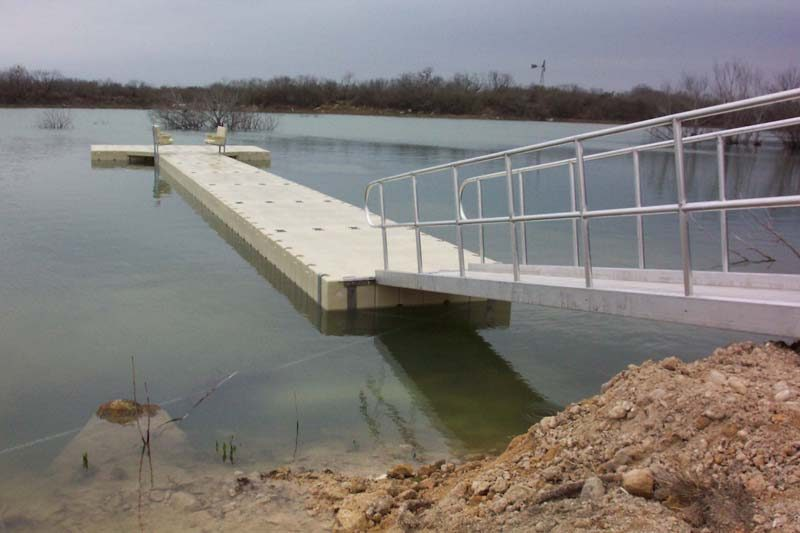 ranch_floating_dock