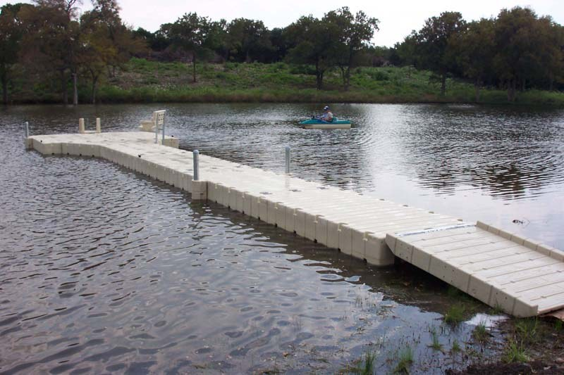 Stock pond floating boat dock examples images frompo for Pond pier plans