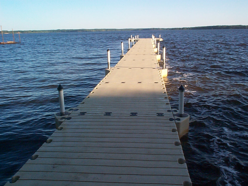 FLOATING DOCK WALKWAY
