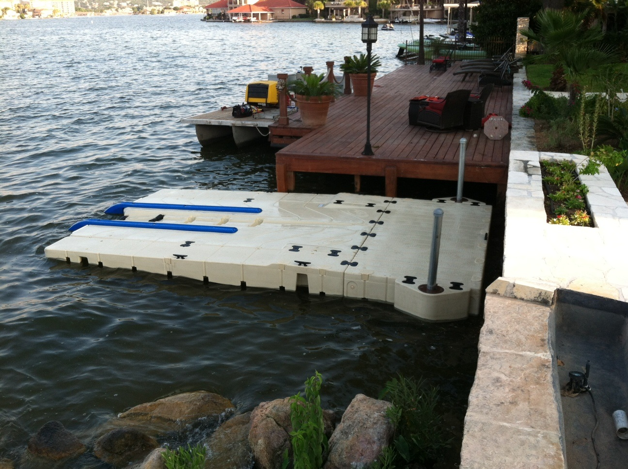 Residential-Drive-up-Boat-Port